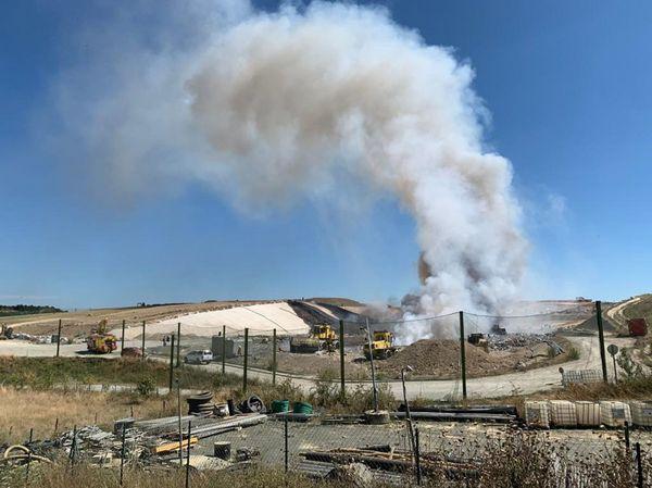 Feu d'un casier du bio réacteur au pôle des énergies renouvelables de Trifyl à Labessière Candeil, dans le Tarn
