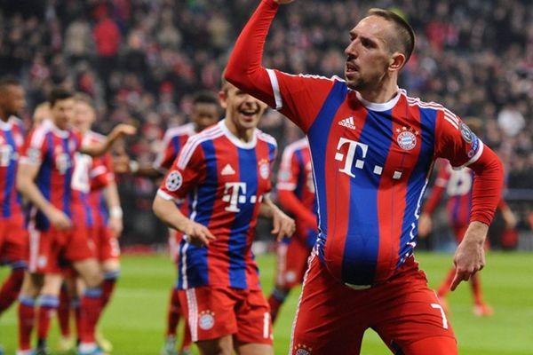 Franck Ribéry célèbre son but face à Donetsk et annonce une bonne nouvelle.