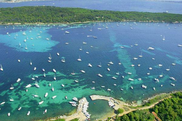 """Les îles de Lérins, la baie de Villefranche ? Pas seulement, les capitaines des """" bateaux du cœur """" sont situés sur tout le littoral français. Aux soignants de choisir !"""