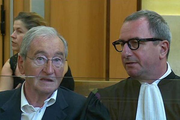 Nîmes - Gilbert Baumet et son avocat au palais de justice - 1er juillet 2016.