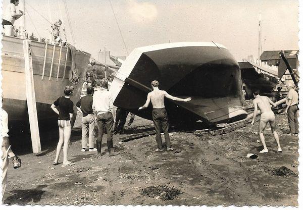 Le Morvarc'h en construction au chantier d'Auguste Tertu