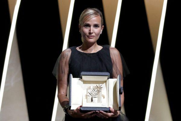 Julia Ducournau remporte la Palme d'Or de cette 74ème édition.