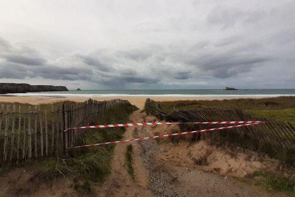 La plage de Pen Hat à Camaret dans le Finistère a été interdite d'accès suite à la découverte d'un ballot de 5 kg de cocaïne