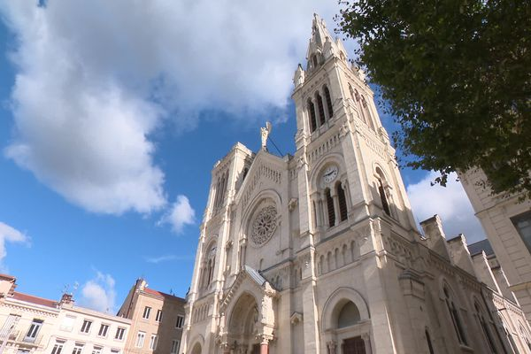 Notre-Dame de Saint Chamond n'a plus qu'une seule flèche
