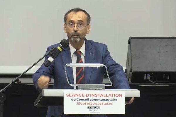 Béziers (Hérault) - Robert Ménard lors de son discours en séance d'installation du conseil communautaire Béziers Méditerranée - 16 juillet 2020.
