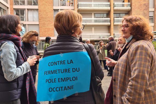 Rassemblement devant l'agence Pôle emploi du centre-ville de Toulouse