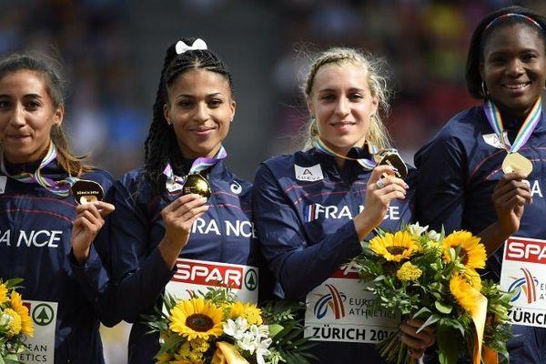 Marie Gayot (3e sur la photo) avec l'équipe de France aux Championnats d'Europe de Zurich, le 17 août 2014.