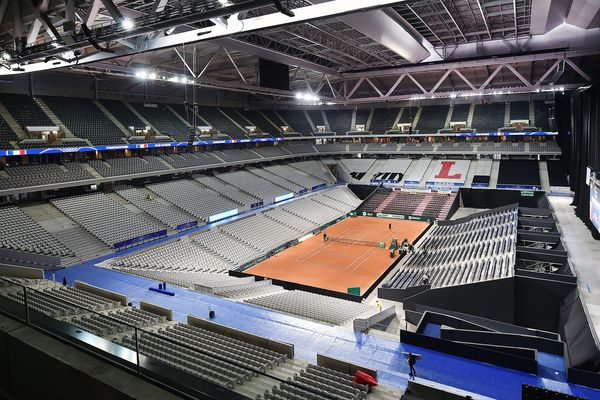 Le stade Pierre-Mauroy pour la demi-finale de Coupe Davis contre la Serbie.