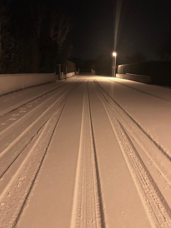 Ce matin, à 7 heures à Evrecy, deux centimètres de neige .
