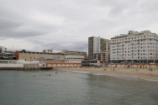 Les deux restaurants de la plage des Catalans étaient fermés depuis le début de l'année.
