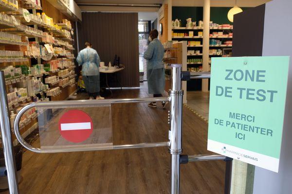 Les pharmacies proposent des tests antigéniques, avec des résultats en moins de 30 minutes.
