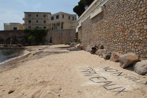 Le roi d'Arabie Saoudite doit arriver ce week-end dans sa villa de Vallauris Golfe Juan, située en bord de mer, pour y passer quelques jours de vacances.