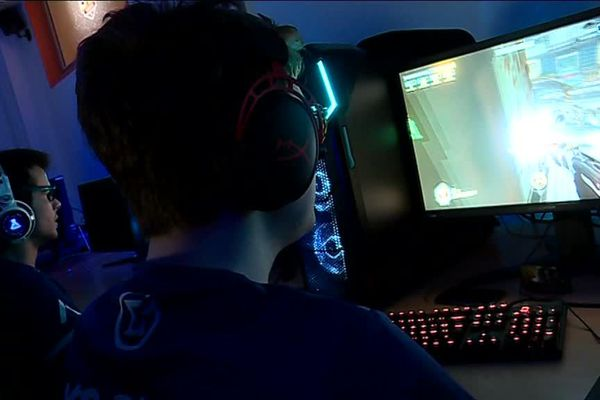 Un centre d'entraînement pour gamers a ouvert au CREPS de Poitiers.