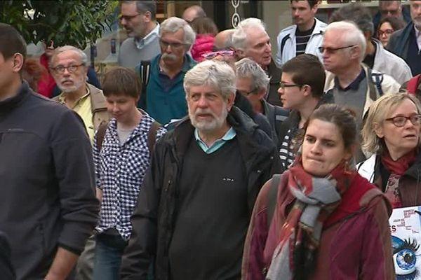 Marche pour défendre la recherche scientifique : les chercheurs se mobilisent à Orléans (Loiret) - 22 avril 2017