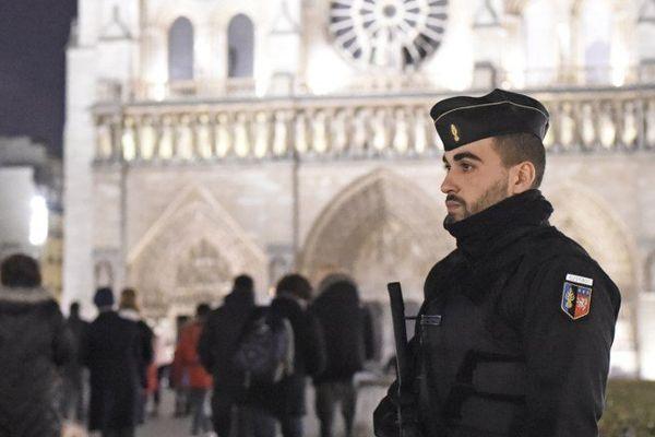 500 policiers et militaires ont été réquisitionnés pour les messes de Noël