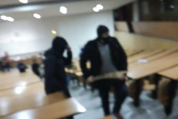 Des hommes cagoulés ont fait irruption dans un amphithéâtre de la fac de droit de Montpellier dans la nuit du jeudi 22 au vendredi 23 mars.