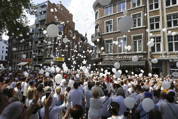 Marche blanche en hommage aux victimes de l'attentat de Liège.