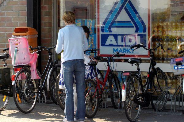 Des parkings à vélos commencent à voir le jour aux portes des grandes surfaces