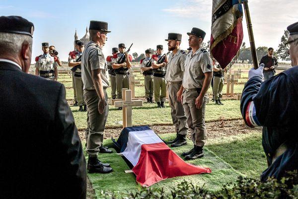 La cérémonie s'est déroulée en présence de la secrétaire d'Etat auprès du ministère des Armées, Geneviève Darieussecq.