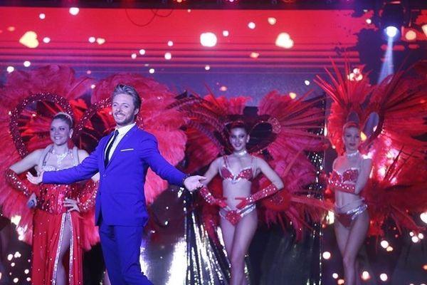 Eric Leblon, magicien et maître de cérémonie de la revue du Cabaret Victoria Palace de Contes (06).
