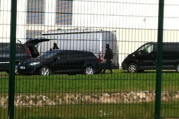 Les hommes du RAID ont été mobilisés à la prison de Vendin-le-Vieil où a eu lieu la prise d'otage.