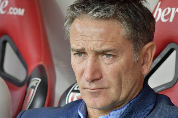 L'entraîneur du RC Lens Philippe Montanier, le 27 juillet 2019 au Mans.