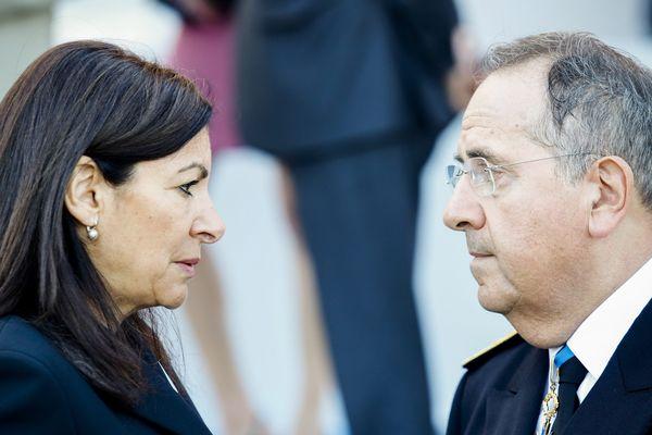 Anne Hidalgo, maire de Paris et Michel Delpuech, préfet de police, au défilé du 14-juillet sur les Champs-Elysées.
