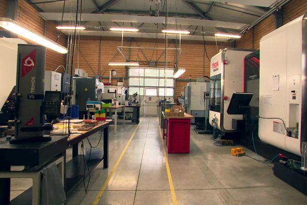 L'entreprise Cryla à Besançon travaille pour l'aéronautique à 75 %.
