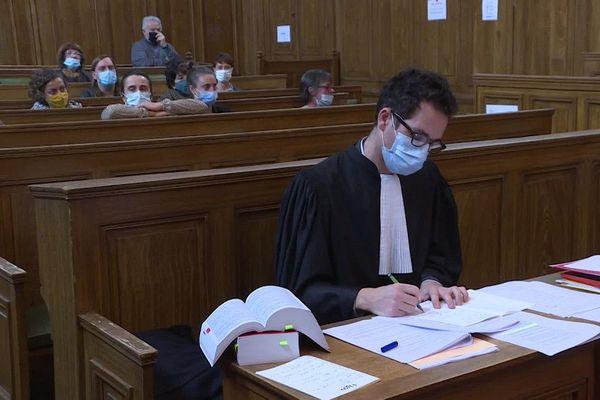 Au tribunal correctionnel d'Aurillac, Kamel Daoudi, le plus ancien assigné à résidence de France, a été condamné à un an de prison ferme.
