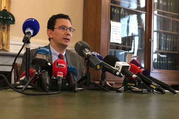 Le procureur de la République de Reims, Matthieu Bourette donne une conférence de presse dans le cadre du décès de Vincent Lambert.