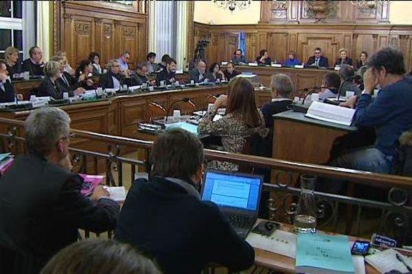 La hausse des impôts des Clermontois au menu du Conseil Municipal le 5 janvier 2016