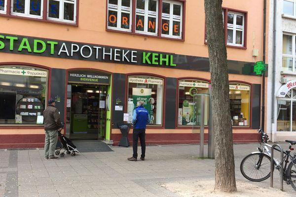 Une pharmacie de Kehl, Allemagne, le 3 avril 2020