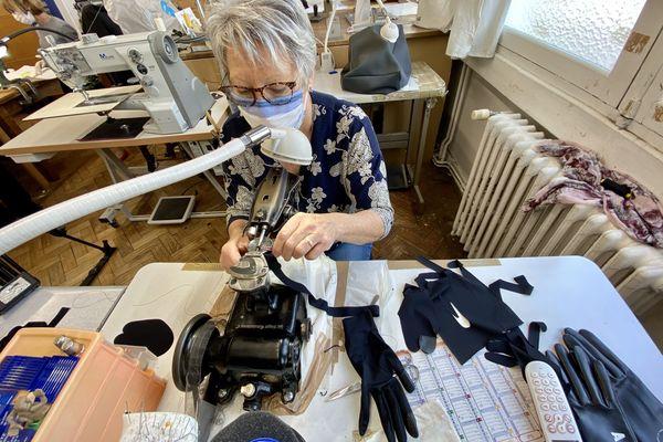 """Les gants """"spécial coronavirus"""" seront en vente rapidement sur le site marchand de la manufacture Agnelle"""
