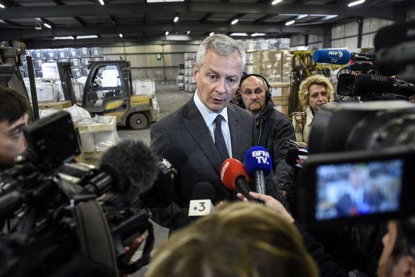Le ministre de l'Économie Bruno Le Maire à l'aciérie de Saint-Saulve, début mai.