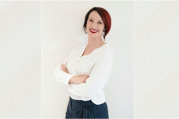 A 38 ans, Julie Montbrizon est candidate aux élections départementales dans le canton de Lezoux, dans le Puy-de-Dôme.