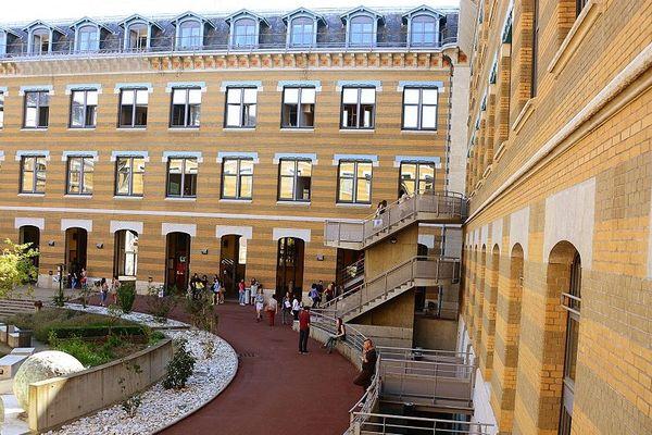 Université Lyon 3 - Le site de la Manufacture des tabacs : la 1ère édition de la Nuit du Droit aura lieu le jeudi 4 octobre 2018
