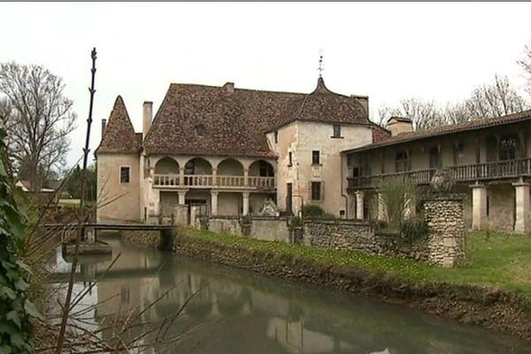 Le Château de St Germain de Salembre a été le seul à être retenu en Dordogne pour bénéficier du Loto du Patrimoine
