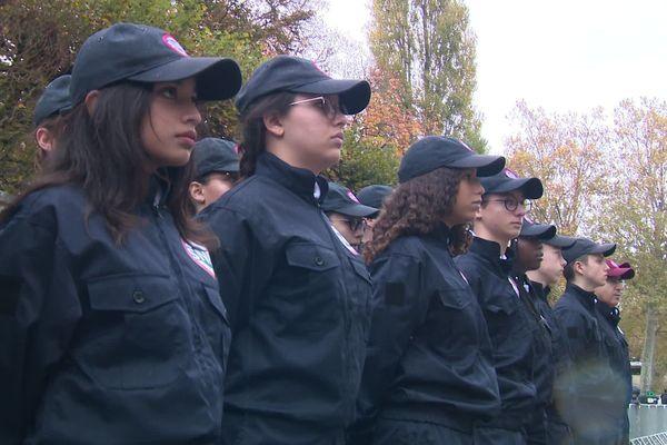 Les jeunes du Service national universel défilent pour le 11 novembre à Bourges