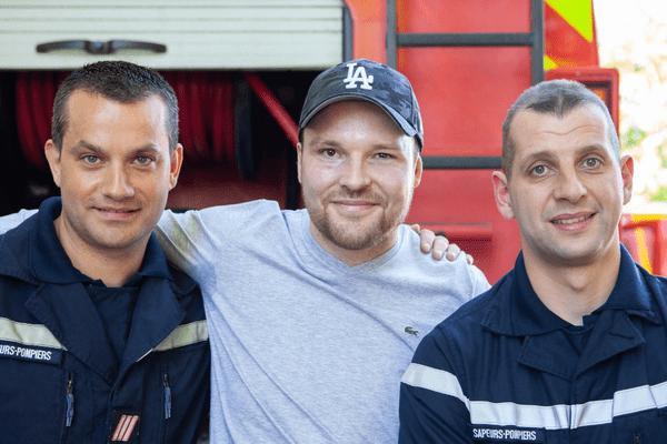 Brûlé à plus de 95% et sauvé grâce à la greffe de son frère jumeau, Franck est venu le 8 mai dernier à Moreuil pour revoir ses sauveteurs deux ans après le drame pour les remercier. Un moment d'émotion pour le jeune homme comme pour les sapeurs-pompiers...