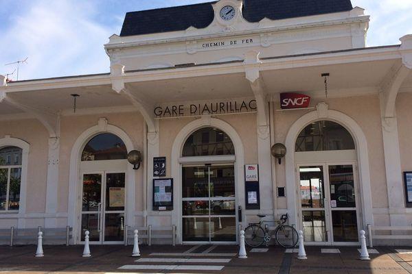 La Fédération nationale des associations d'usagers de transports (Fnaut) s'est émue vendredi 4 mai de l'absence de tout service sur certaines petites lignes, notamment en région Auvergne-Rhône-Alpes, entre les périodes de grève à la SNCF, soupçonnant la compagnie d'en préparer la fermeture.