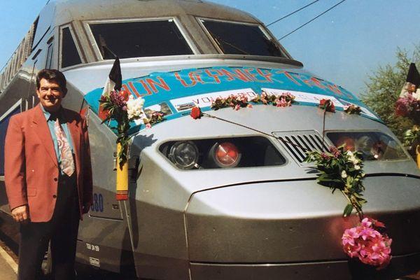 De la vapeur au TGV, Jean-Claude Vollard est entré comme apprenti à 15 ans à la SNCF, il a gravi tous les échelons qui l'ont mené à conduire les TGV Atlantique