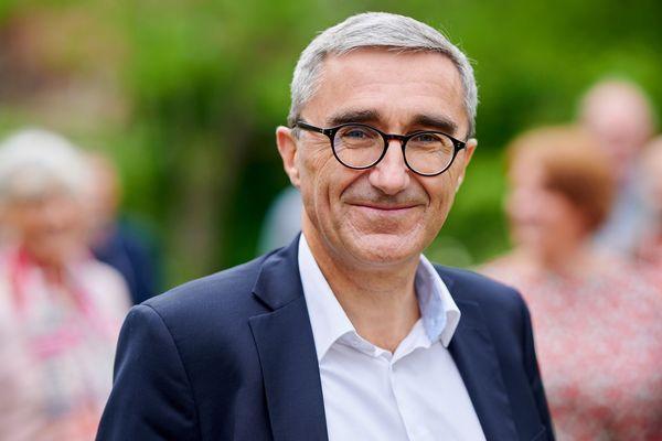 Nicolas Bouche (divers-centre) est élu maire de Lambersart.