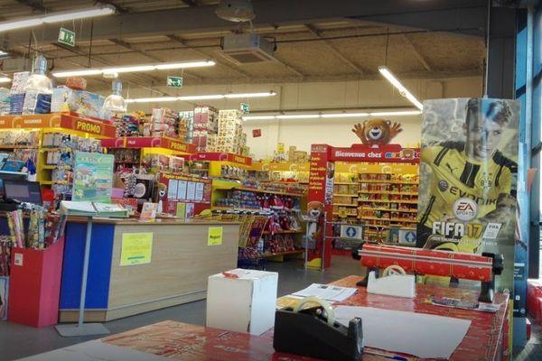 L'enseigne Maxi Toys est en vente. La direction de l'entreprise basée en Belgique a également annoncé la fermeture de deux magasins dont un en Indre-et-Loire.