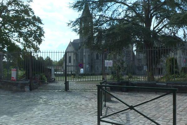 Le lycée Saint-Vincent de Senlis a dû fermer ses portes durant une semaine après la découverte de cas de Covid-19