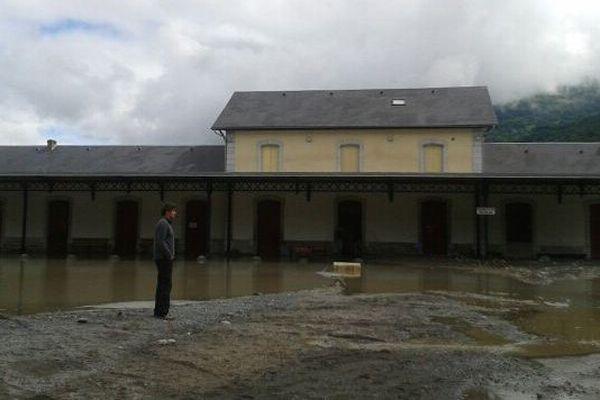 Le corps de la victime a été retrouvé près de l'ancienne gare