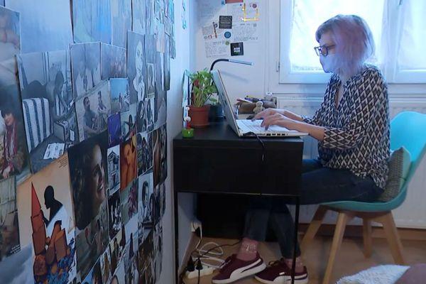 Laëtitia Neuviller participe au challenge d'écriture NaNoWriMo depuis Grenoble.