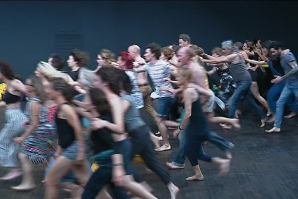 """Les 39 danseurs amateurs de """"Nothing compares 2 U"""""""