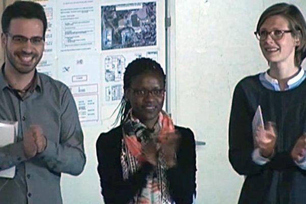 """Tristan Rubio (premier prix), Amaëlle Otandault Aviviani (second prix) et Juliane Engsig (troisième prix) lors de la finale régionale de """"Ma Thèse en 180s"""" le 12 avril 2016 à l'Université de Montpellier."""