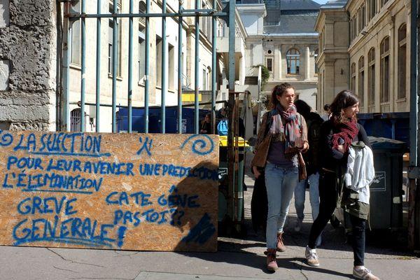 Les étudiants de Lyon 2 n'auront d'examen le jour de la finale de la Ligue Europa