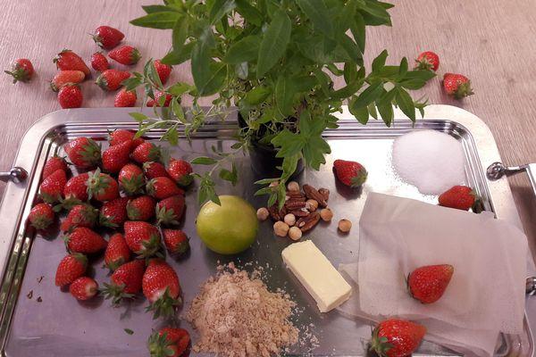 Les ingrédients de la soupe de fraises verveine citron et son mille-feuilles à la cassonade